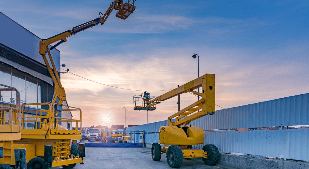 Top Reasons to Rent Cranes for Your Next Major Construction Project